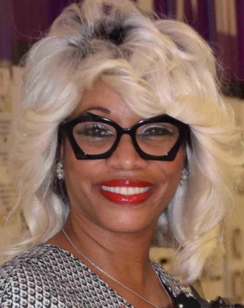 Photo of Dr Sharon